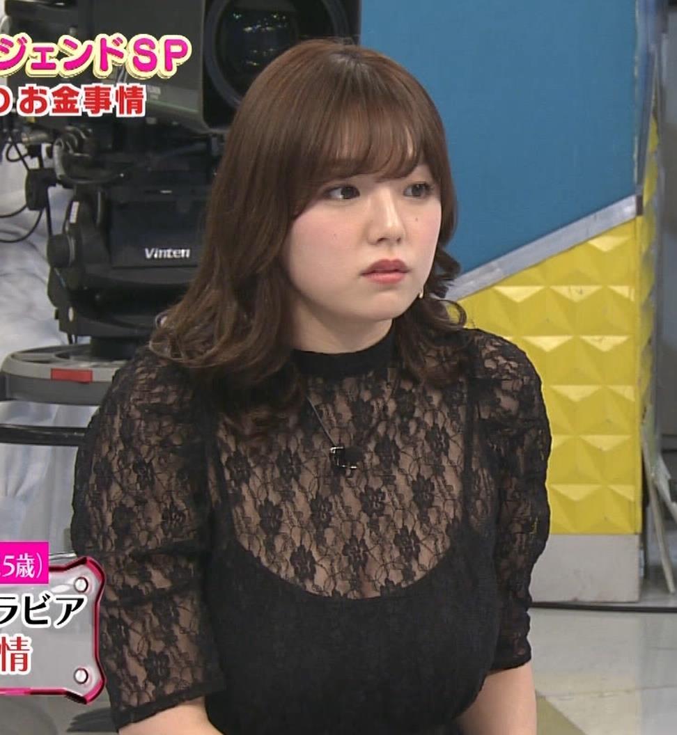 篠崎愛 韓国のテレビに出演するときのほうがおっぱい出しているみたい 「ナカイの窓」よりキャプ・エロ画像15