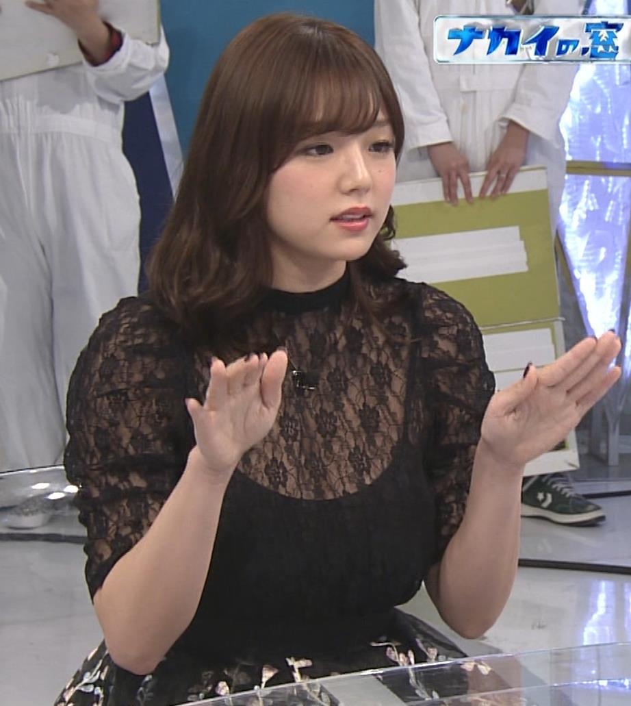 篠崎愛 韓国のテレビに出演するときのほうがおっぱい出しているみたい 「ナカイの窓」よりキャプ・エロ画像3