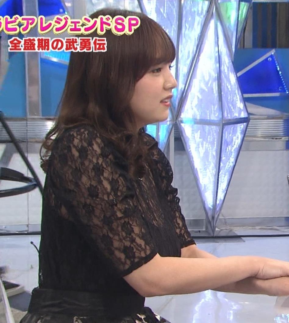 篠崎愛 韓国のテレビに出演するときのほうがおっぱい出しているみたい 「ナカイの窓」よりキャプ・エロ画像5