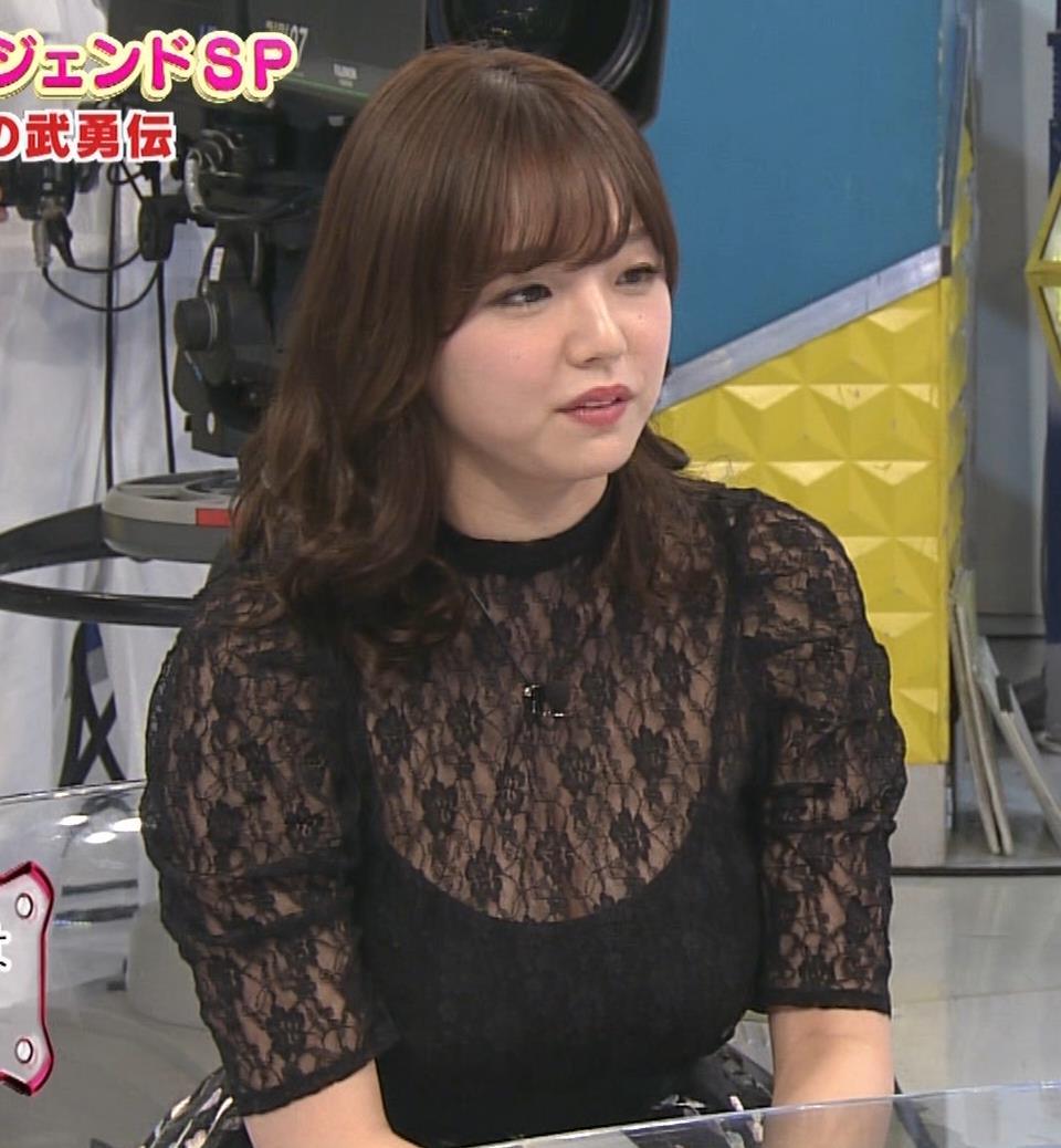 篠崎愛 韓国のテレビに出演するときのほうがおっぱい出しているみたい 「ナカイの窓」よりキャプ・エロ画像6
