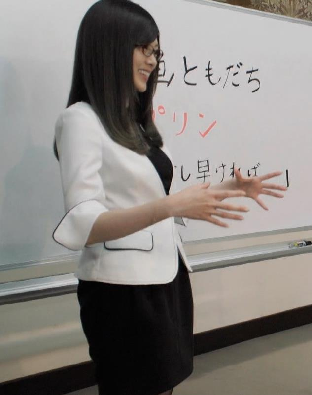 白石麻衣 エロ過ぎる黒ストッキングキャプ・エロ画像