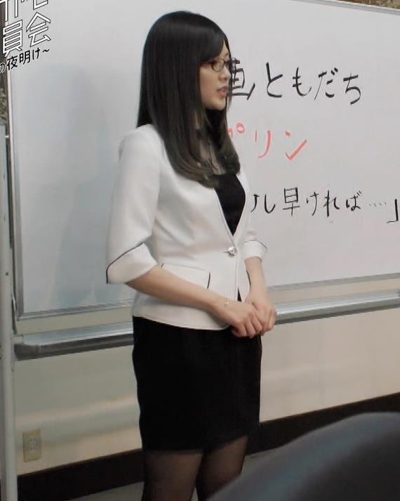 白石麻衣 エロ過ぎる黒ストッキングキャプ・エロ画像6