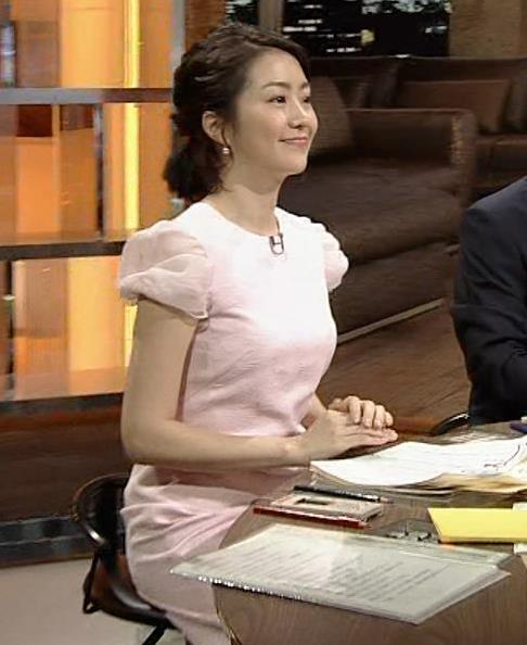 副島萌生アナ 大きそうな横乳キャプ・エロ画像