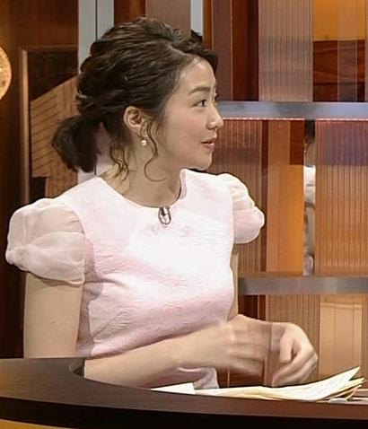 副島萌生アナ 大きそうな横乳キャプ・エロ画像6