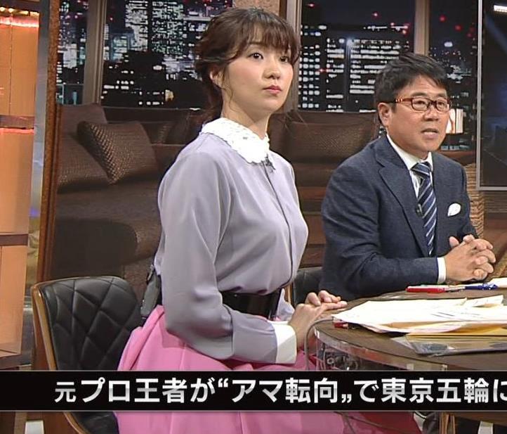 副島萌生アナ ゆったりめな服でも胸のデカさがわかるキャプ・エロ画像4