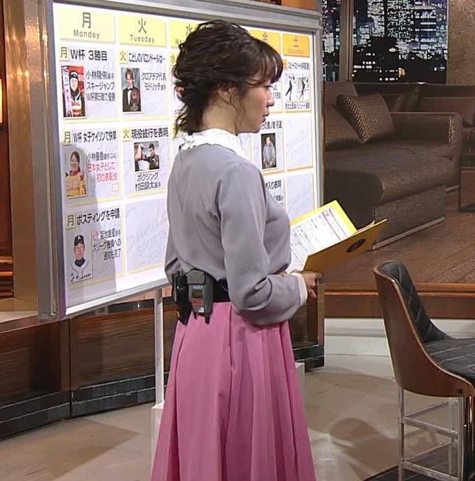 副島萌生アナ ゆったりめな服でも胸のデカさがわかるキャプ・エロ画像6