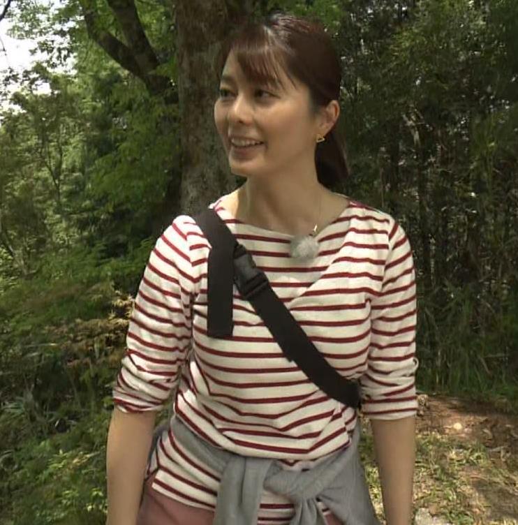 アナ ロングTシャツでパイスラキャプ・エロ画像6
