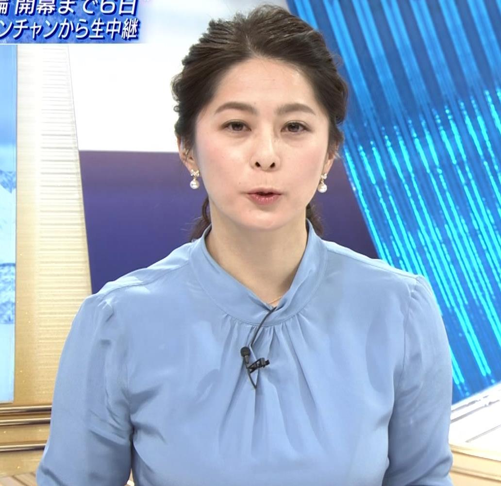 杉浦友紀アナ 【神回】サタデースポーツ 疑似フェラ、乳揺れキャプ・エロ画像2