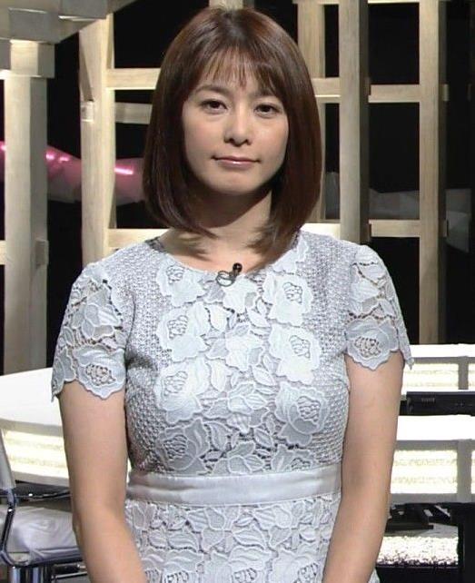 杉浦友紀アナ パツパツのお胸キャプ・エロ画像2
