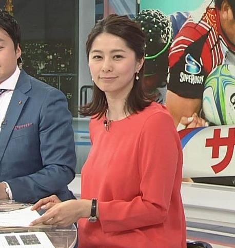 杉浦友紀アナ サンデースポーツおっぱいキャプ・エロ画像3