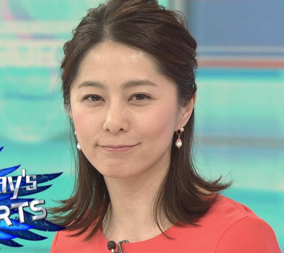 杉浦友紀アナ サンデースポーツおっぱいキャプ・エロ画像4