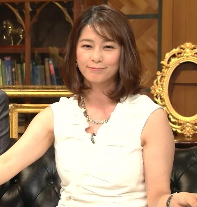 杉浦友紀アナ 腕がムチムチでたまらないキャプ・エロ画像