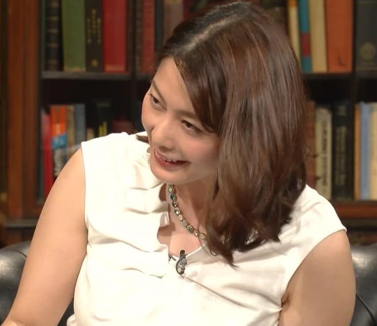 杉浦友紀アナ 腕がムチムチでたまらないキャプ・エロ画像11
