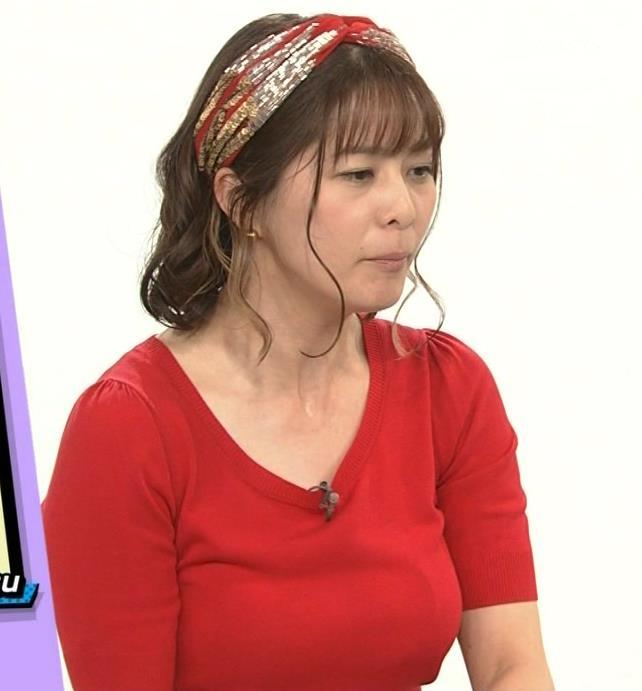アナ Tシャツで巨乳がエロ過ぎキャプ・エロ画像2