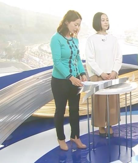 杉浦友紀アナ 平昌でもお胸がパンパンキャプ・エロ画像5