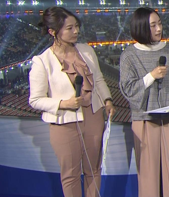 杉浦友紀アナ 下半身もムチムチのパンツスタイルキャプ・エロ画像2