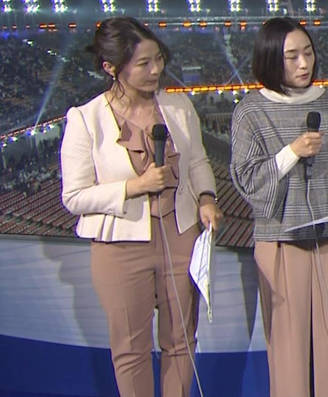 杉浦友紀アナ 下半身もムチムチのパンツスタイルキャプ・エロ画像3