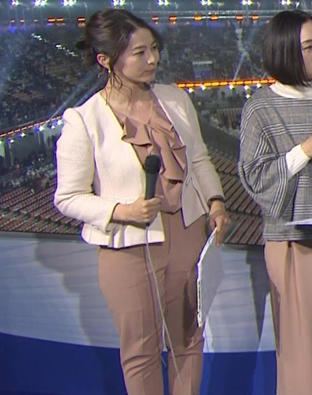 杉浦友紀アナ 下半身もムチムチのパンツスタイルキャプ・エロ画像7
