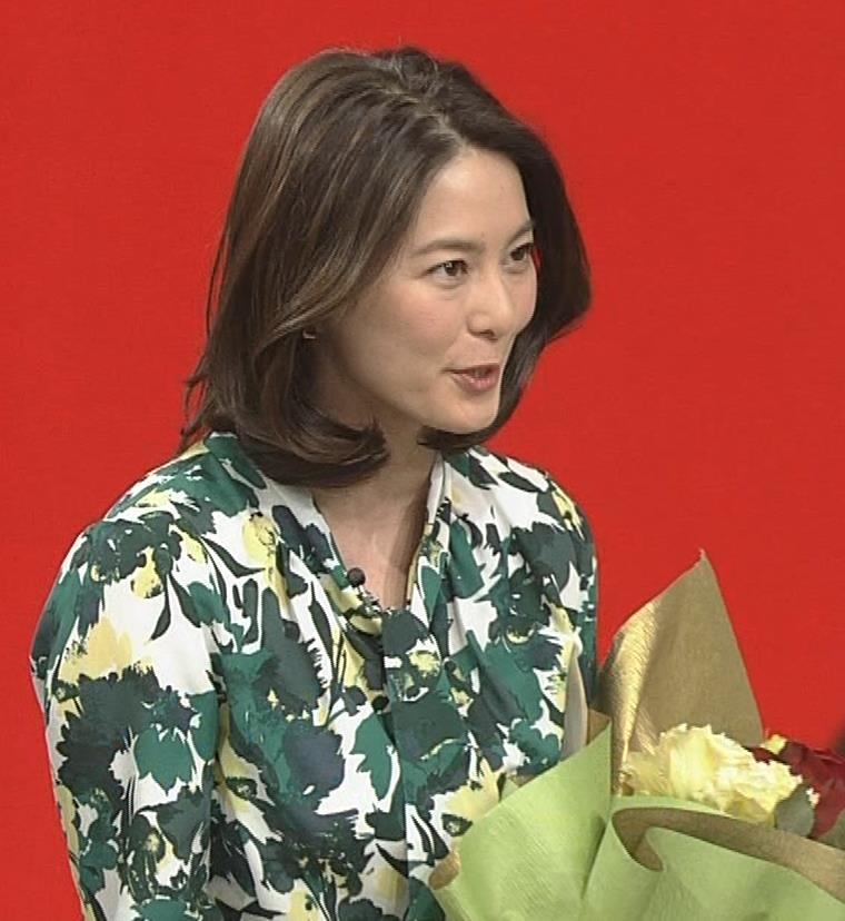 杉浦友紀アナ 「サタデースポーツ」よりキャプ・エロ画像