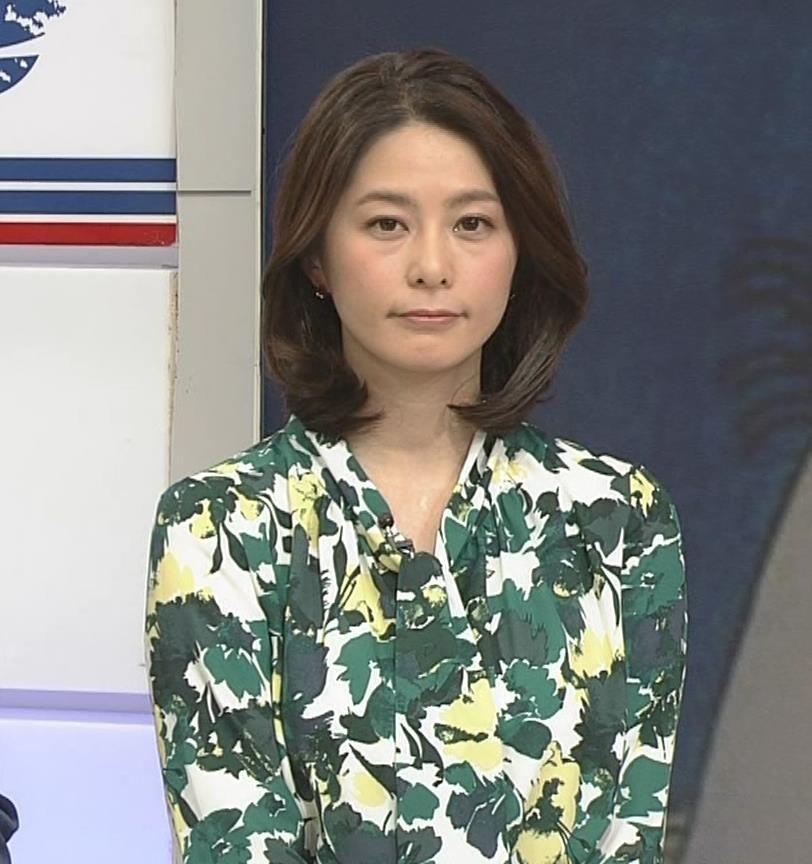 杉浦友紀アナ 「サタデースポーツ」よりキャプ・エロ画像6