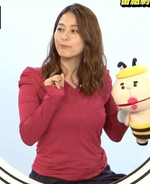 杉浦友紀アナ 巨乳を自分で揉みそうな画像キャプ・エロ画像3