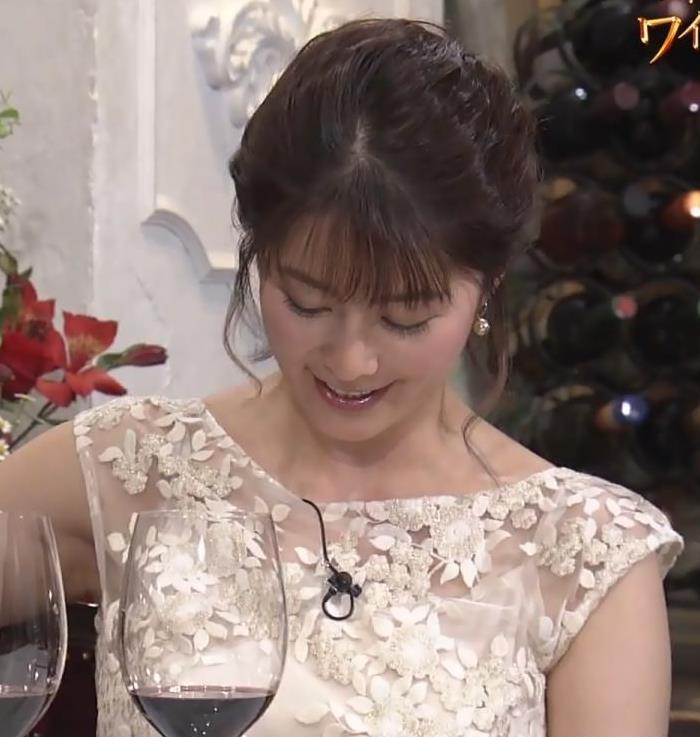 杉浦友紀アナ おっぱいがパンパンのドレスキャプ・エロ画像7
