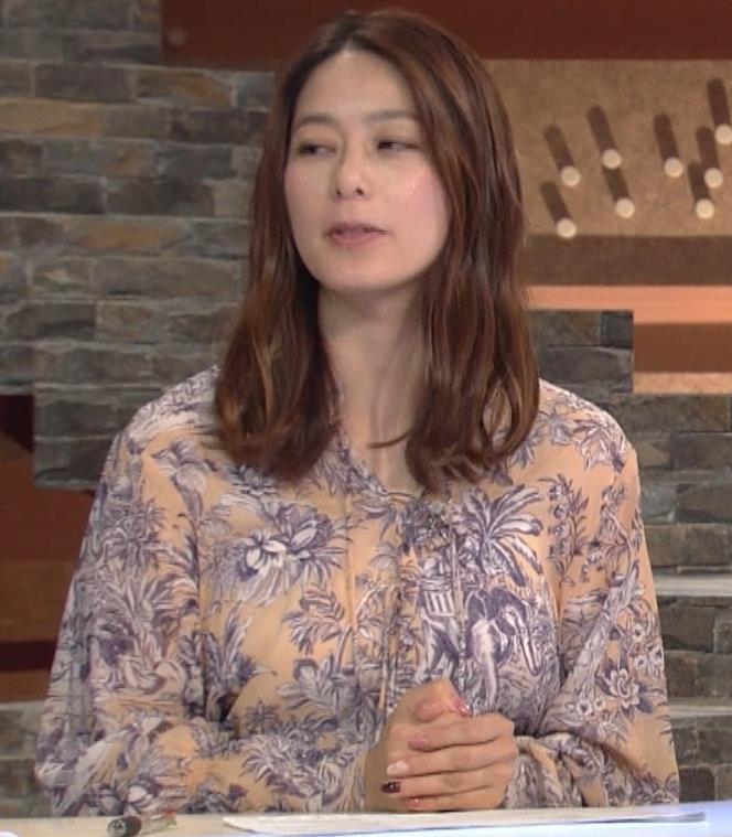 杉浦友紀アナ 爆乳が少しだけアピールキャプ・エロ画像5
