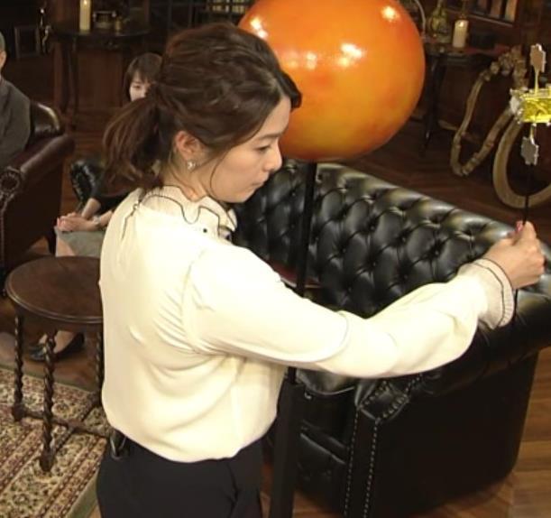 杉浦友紀アナ 垂れてそうな巨乳がエロいキャプ・エロ画像6