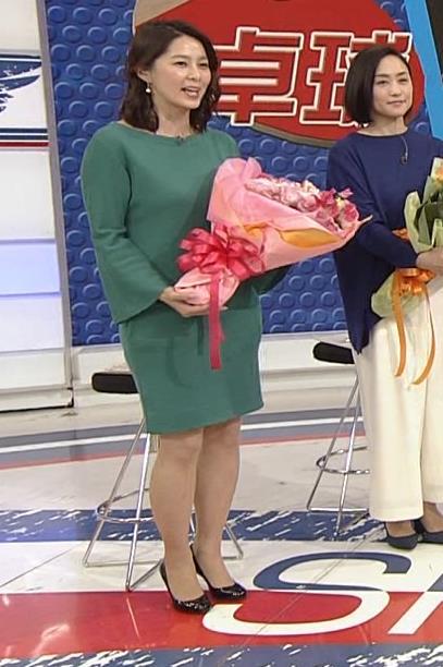 杉浦友紀アナ 横乳と生足キャプ・エロ画像9
