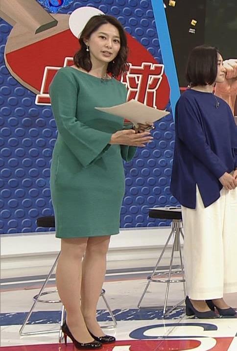 杉浦友紀アナ 横乳と生足キャプ・エロ画像10