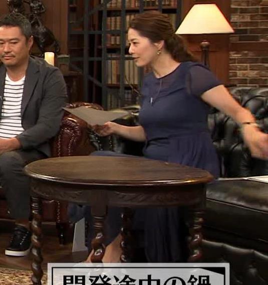 杉浦友紀アナ 久しぶりにすげぇ横乳キャプ・エロ画像5