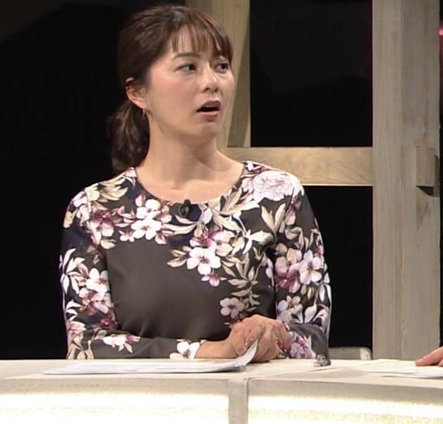 杉浦友紀アナ 安定の巨乳キャプ・エロ画像4