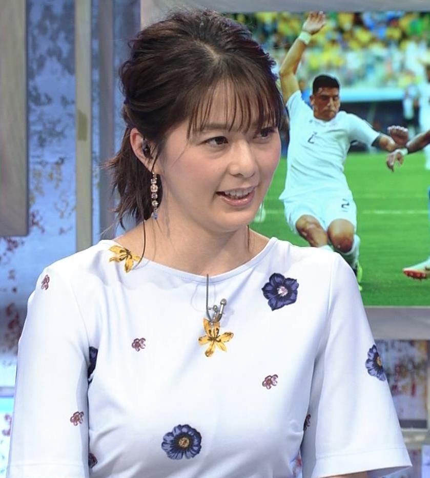 杉浦友紀アナ 「おっぱい半端ないって!」 ワールドカップ番組でお胸がエロ過ぎキャプ・エロ画像13