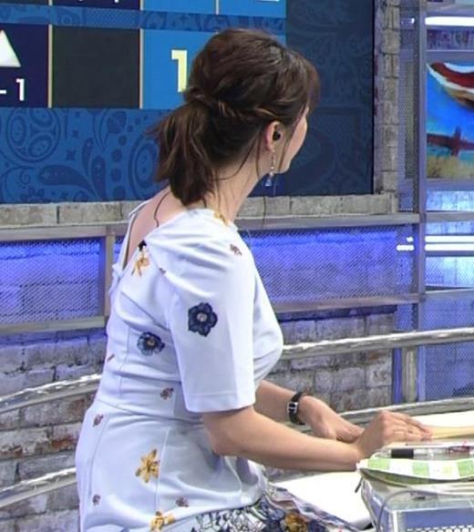 杉浦友紀 「おっぱい半端ないって!」 ワールドカップ番組でお胸がエロ過ぎキャプ画像(エロ・アイコラ画像)