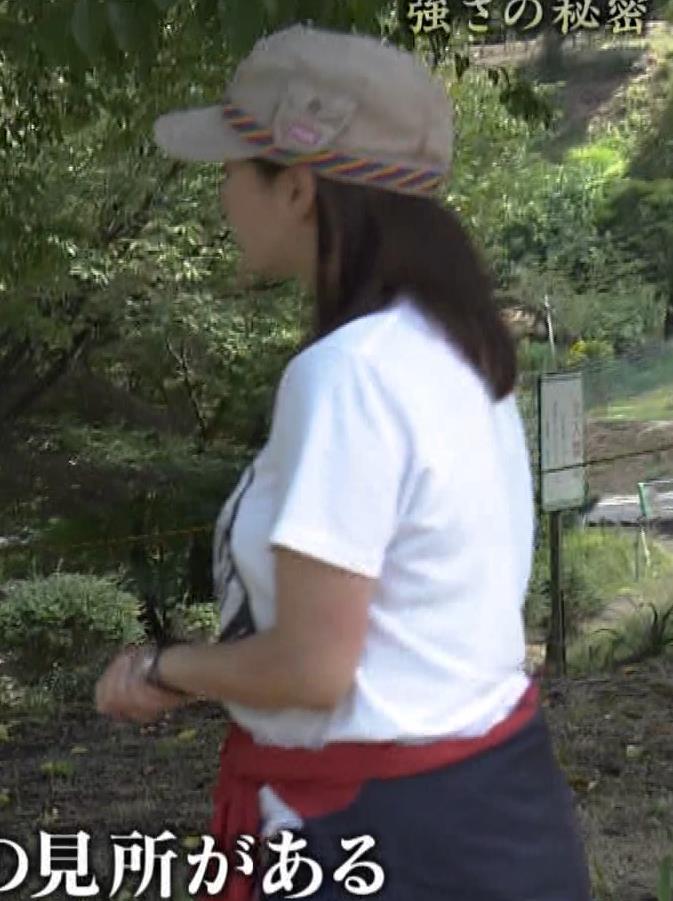 杉浦友紀アナ 貴重なTシャツ姿【爆乳】キャプ・エロ画像
