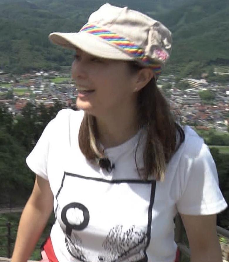 杉浦友紀アナ 貴重なTシャツ姿【爆乳】キャプ・エロ画像11