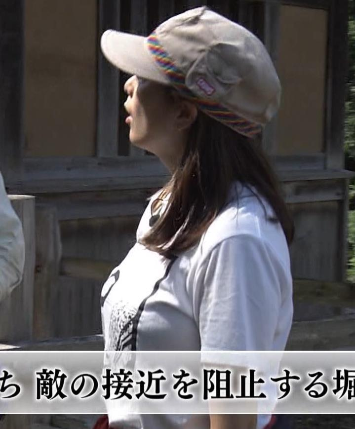 杉浦友紀アナ 貴重なTシャツ姿【爆乳】キャプ・エロ画像7