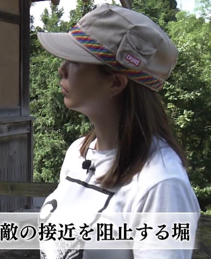 杉浦友紀アナ 貴重なTシャツ姿【爆乳】キャプ・エロ画像8