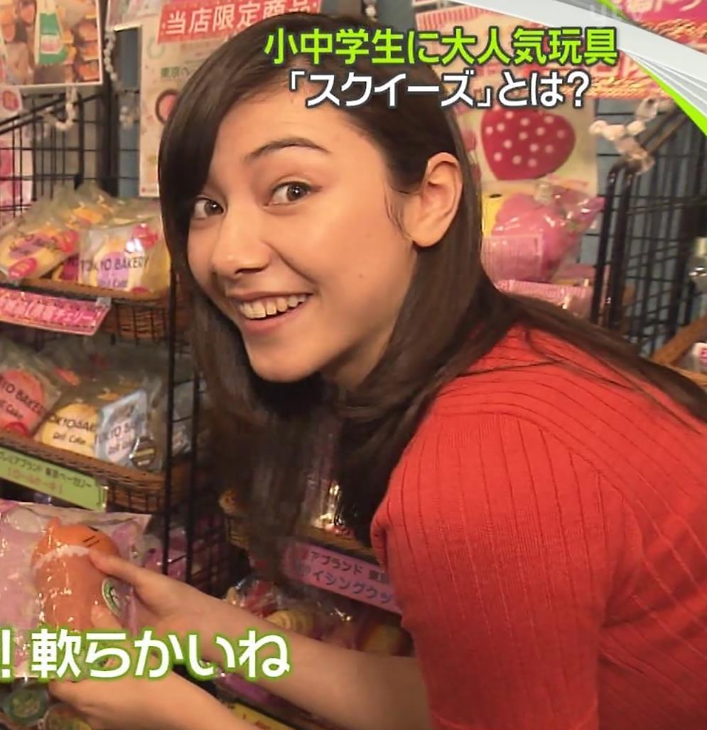 杉崎セリナ ぴったりニットおっぱいキャプ・エロ画像5