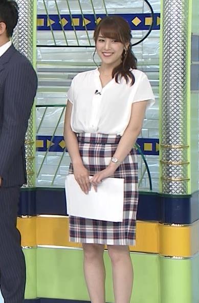 鷲見玲奈アナ エロい腰つきキャプ・エロ画像6