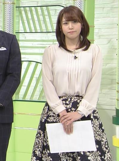 鷲見玲奈アナ ゆったりした服でも横乳すげぇキャプ・エロ画像2