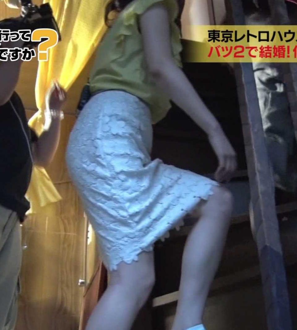 鷲見玲奈アナ 花柄タイトめなスカートのお尻キャプ・エロ画像7