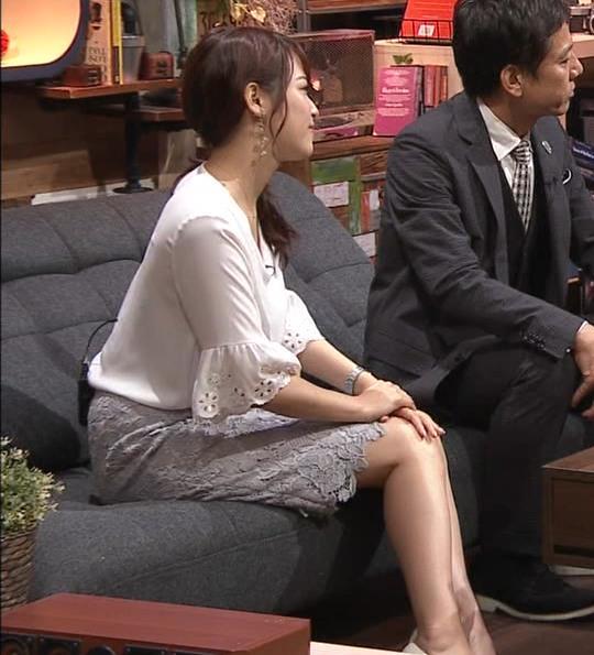 鷲見玲奈アナ スカートお尻キャプ・エロ画像4