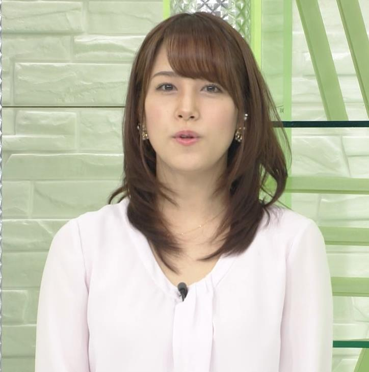 鷲見玲奈アナ また巨乳胸ちらキャプ・エロ画像4