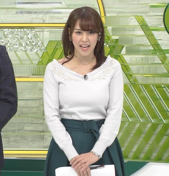 鷲見玲奈アナ 安定のニットおっぱいキャプ・エロ画像3