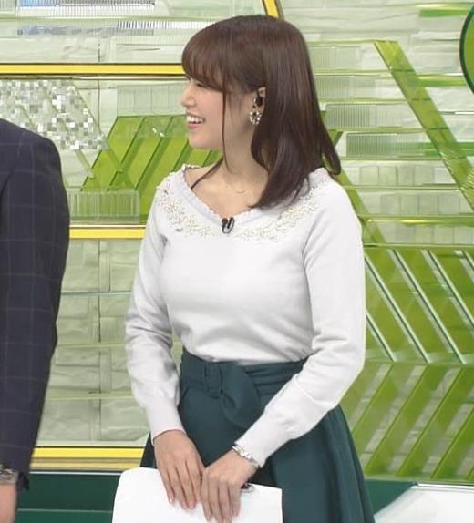 鷲見玲奈アナ 安定のニットおっぱいキャプ画像(エロ・アイコラ画像)