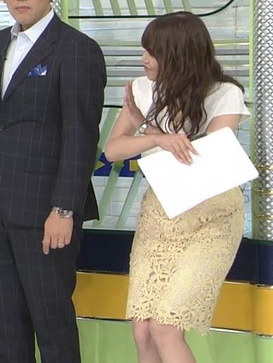 鷲見玲奈アナ お尻も大きそうでエロいキャプ・エロ画像4