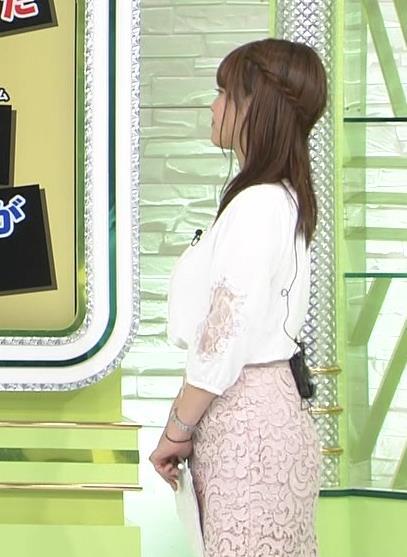 鷲見玲奈アナ 巨乳とお尻を横から見ると…キャプ・エロ画像7