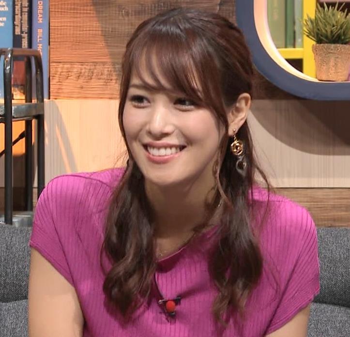 鷲見玲奈アナ 巨乳ニットキャプ・エロ画像2