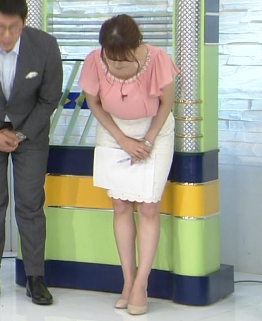 アナ きれいな脚キャプ・エロ画像